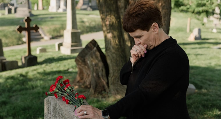 4 Tips for Writing a Eulogy