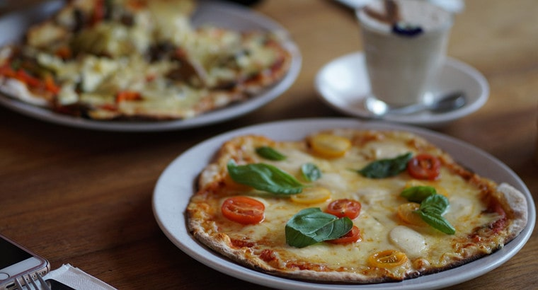 How To Make Your Leftover Pizza Go From Rusty to Crusty Within Minutes