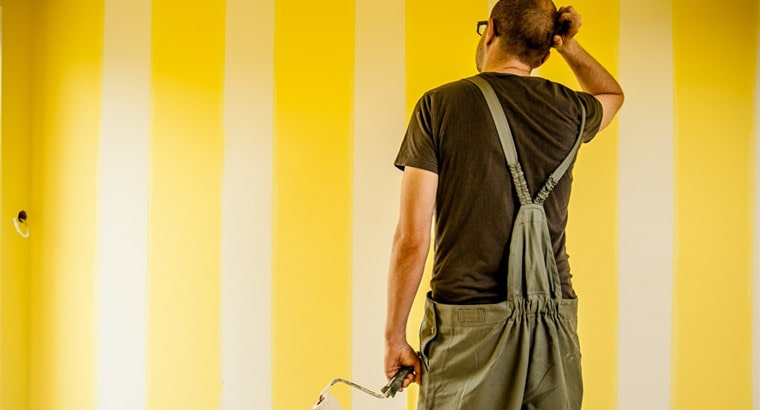 how long to wait between coats of paint